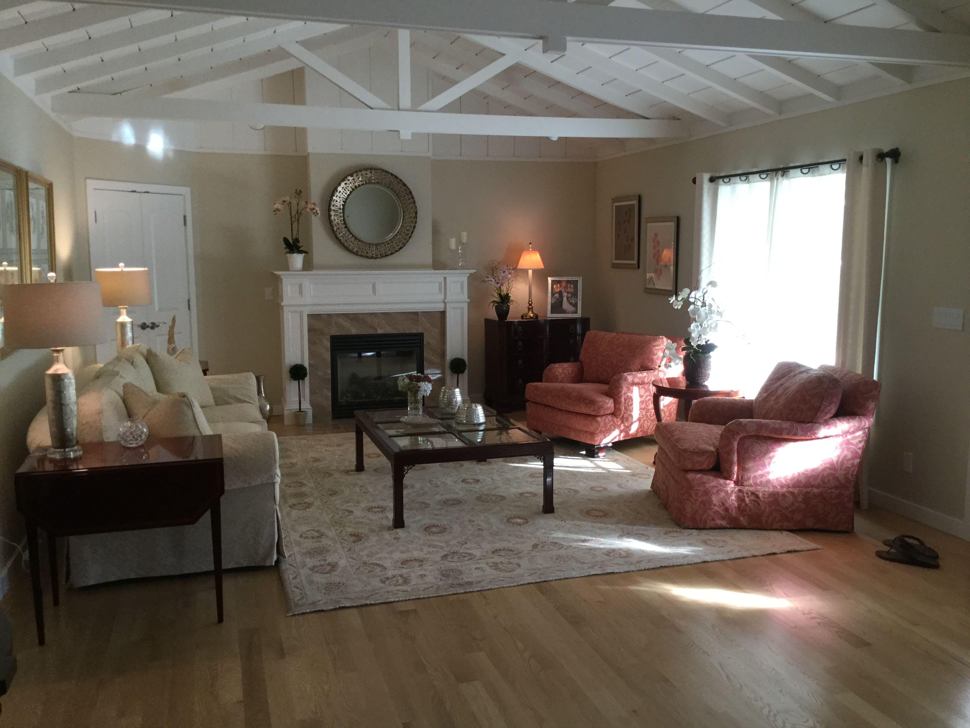 Living Room #1.jpg