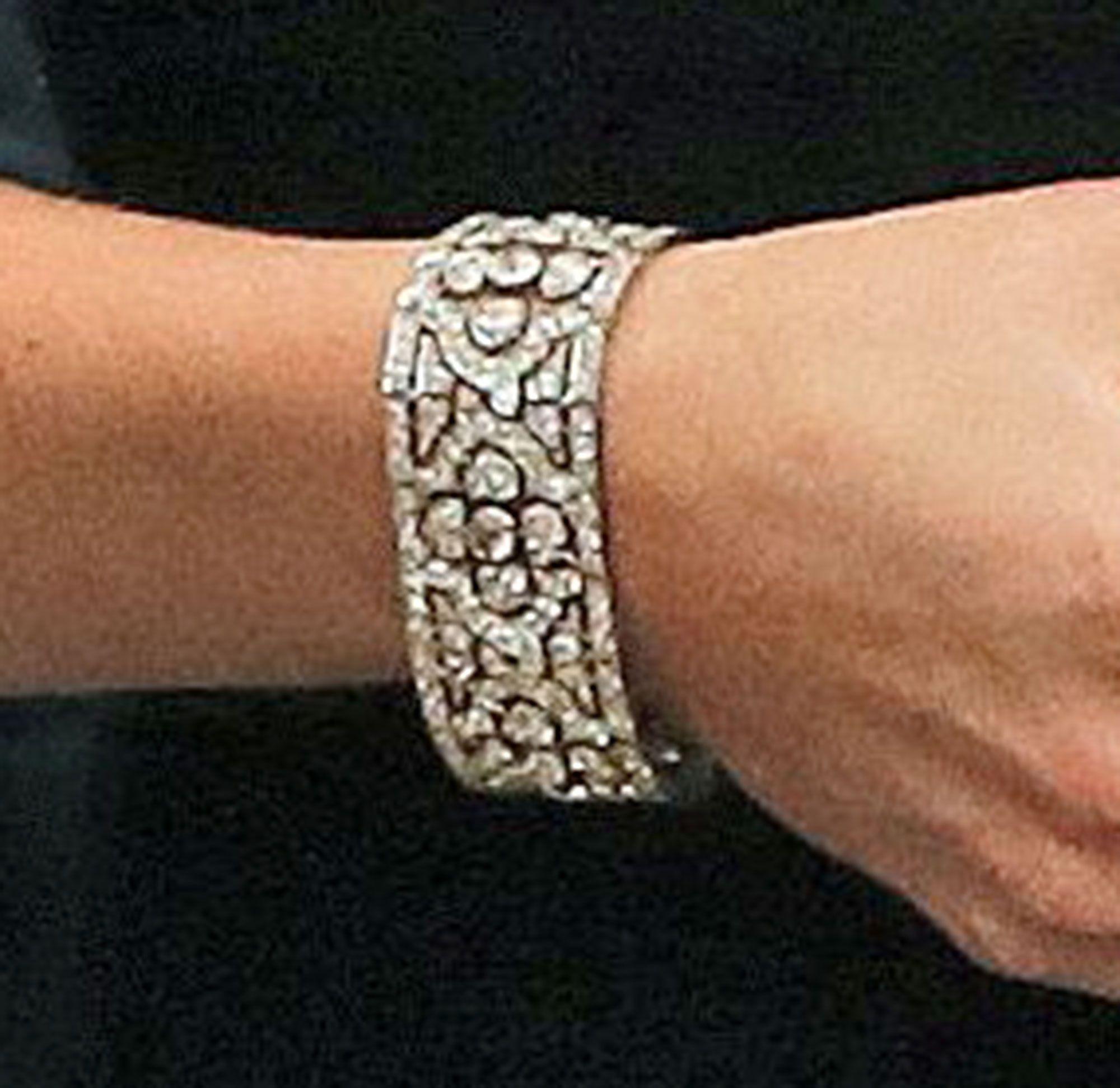 kate-middleton-bracelet-2.jpg