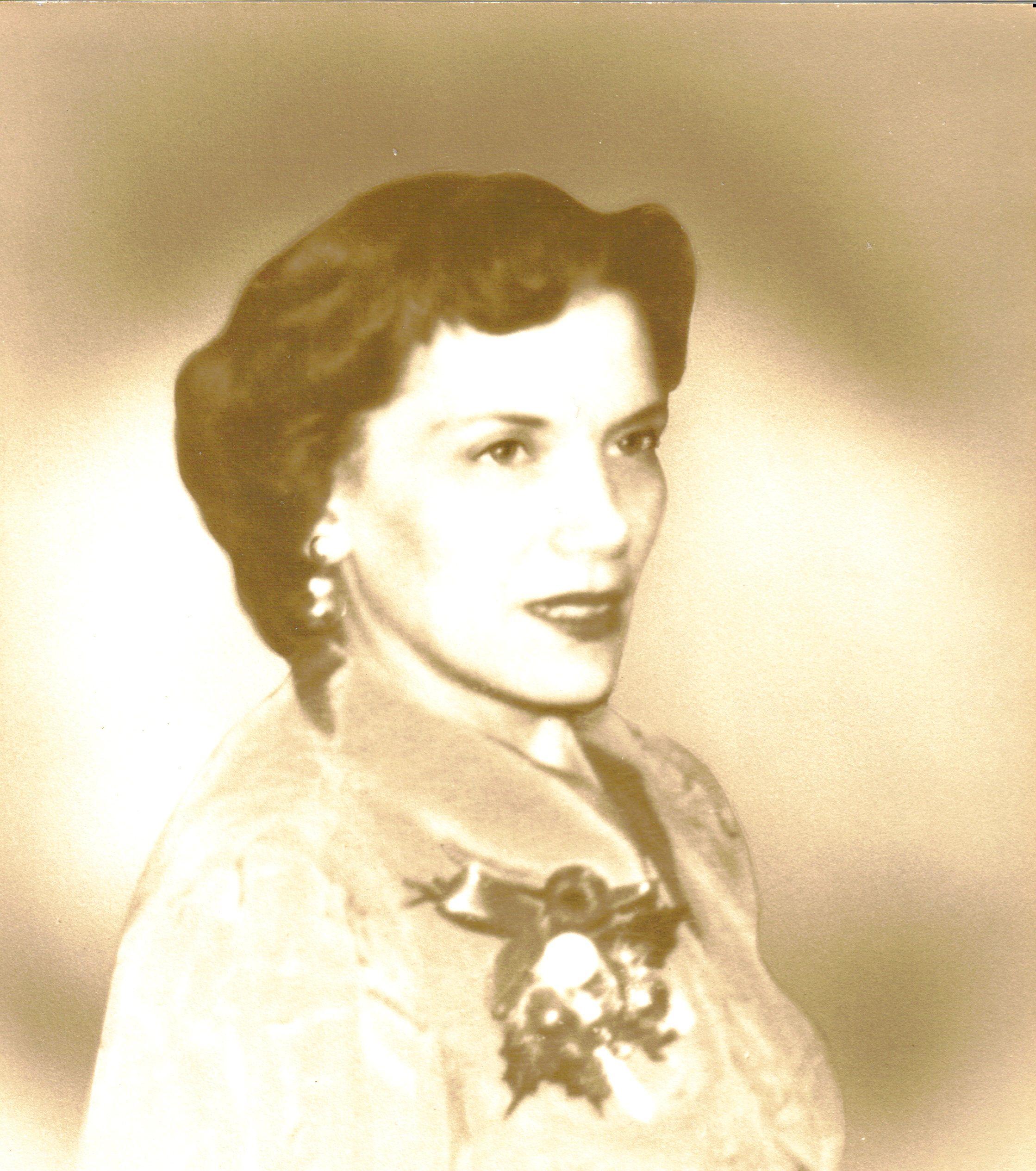 Mom Xmas 1955.jpg