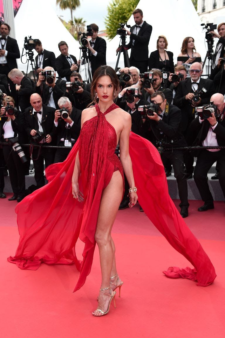 alessandra-ambrosio-attends-the-screening-of-les-miserables-news-photo-1149312342-1557943950.jpg