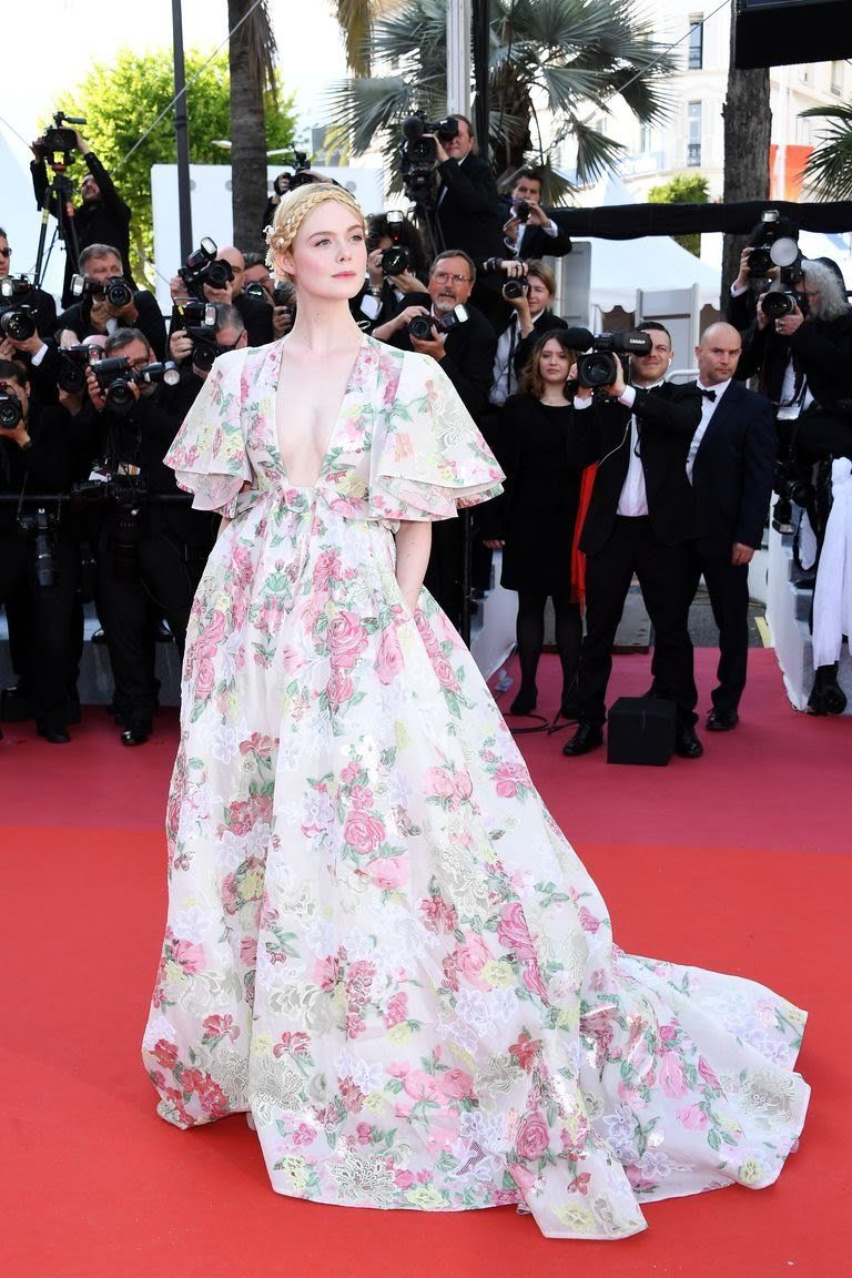 elle-fanning-attends-the-screening-of-les-miserables-during-news-photo-1149312836-1557943735.jpg