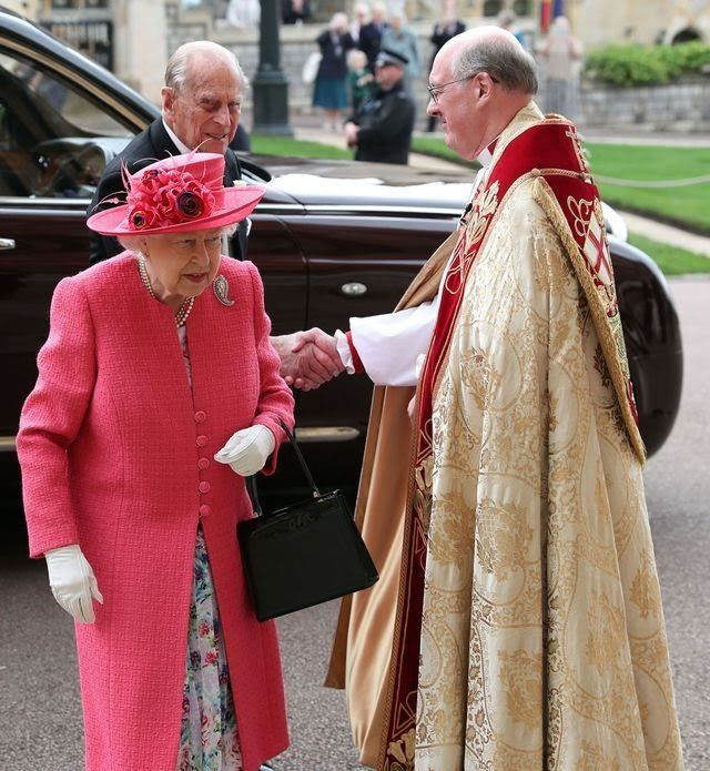 britains-queen-elizabeth-ii-and-britains-prince-philip-duke-news-photo-1144626761-1558183080.jpg