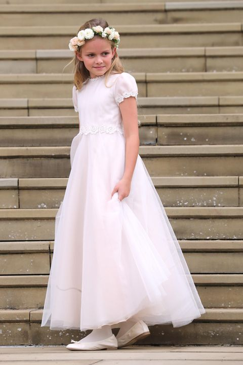 young-bridesmaid-on-the-chapel-steps-for-the-wedding-of-news-photo-1150064468-1558181149.jpg