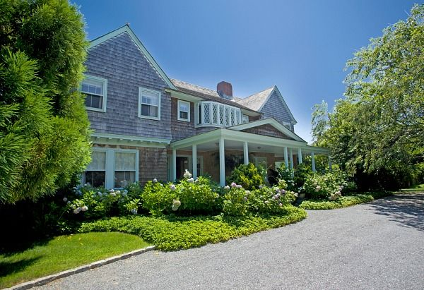 Grey-Gardens-3-West-End-Rd-East-Hampton-1-1.jpg