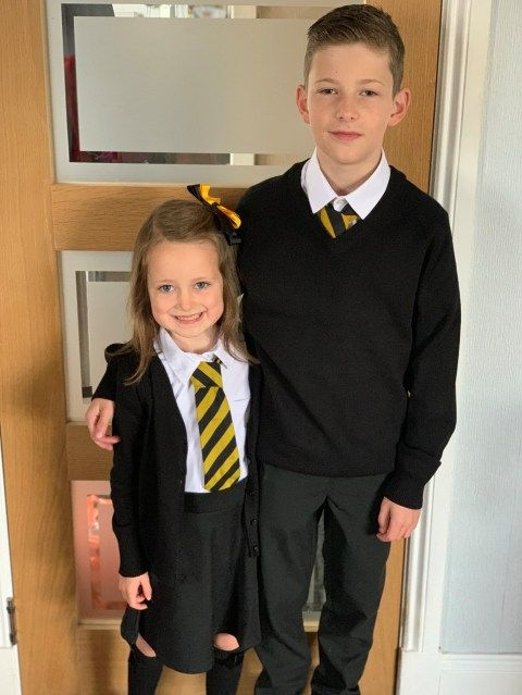 lucie-with-big-bro-424d.jpg