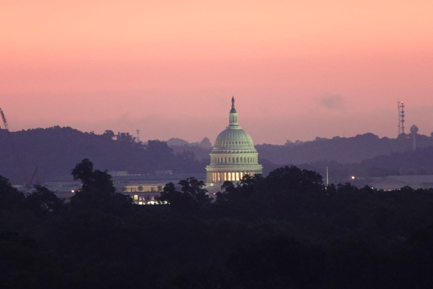 DSC06147 Capitol sunrise (3).JPG