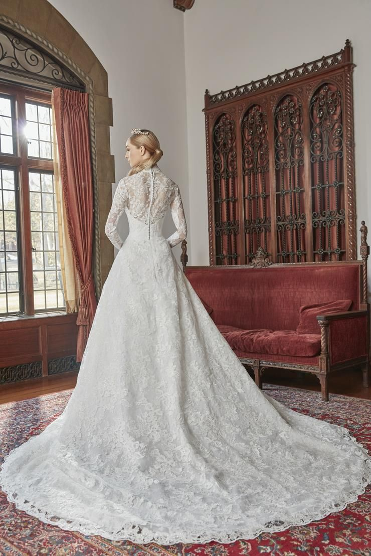 fit_for_a_queen__back.740.jpg