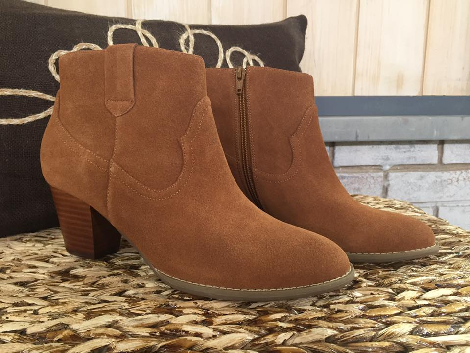 vionic boots 2.jpg