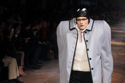 fashion_runway_clothing_that_is_weird_and_wacky_640_21.jpg