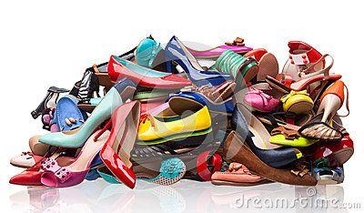 pile-various-female-shoes-over-white-29002499.jpg