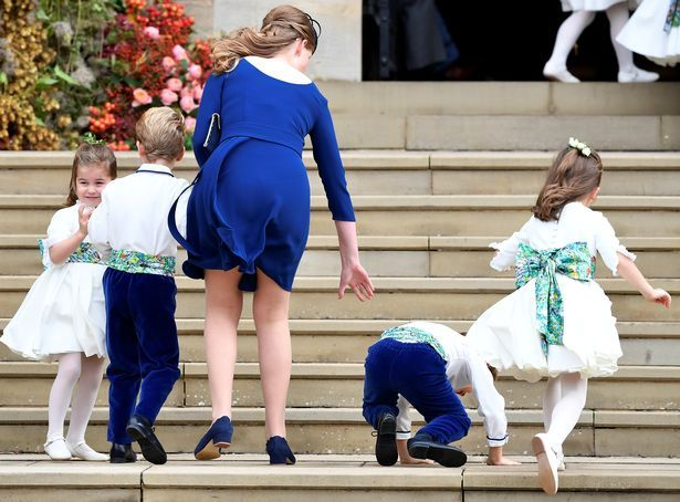 0_Princess-Charlotte-of-Cambridge-arrives-with-bridesmaids-and-pageboys-for-the-royal-wedding-of-Princ.jpg