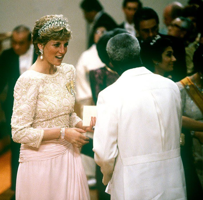princess-diana-japan-earrings-z.jpg
