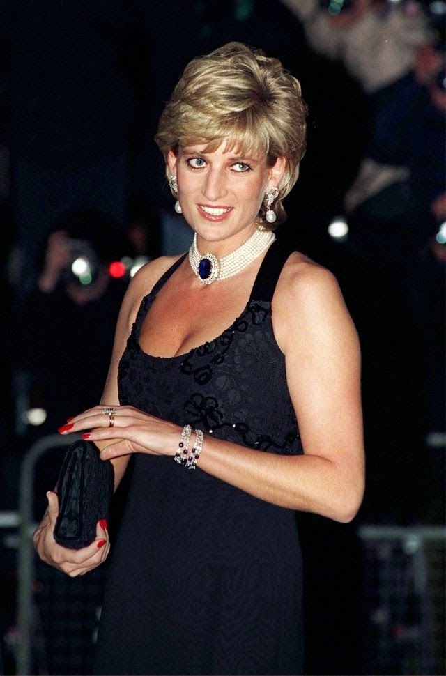 diana-princess-of-wales-attending-a-gala-evening-in-aid-of-news-photo-52098435-1549829200.jpg