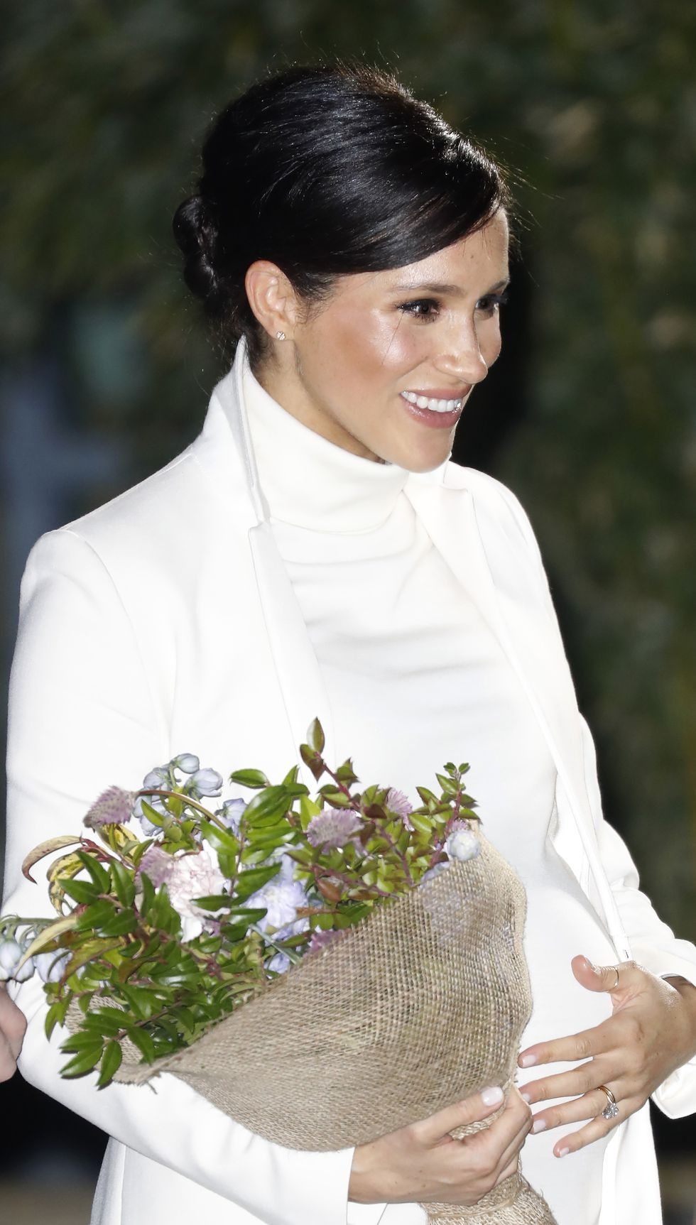meghan-duchess-of-sussex-attends-a-gala-performance-of-the-news-photo-1129191244-1549998852.jpg