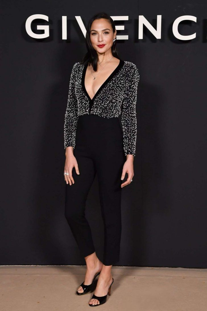 Gal-Gadot_-Givenchy-Fashion-Show-in-Paris--03-728x1092.jpg