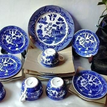 blue-willow-dinnerware-sets-blue-willow-dinnerware-sets-blue-willow-plates-vintage-nib-mint-complete-4-serving-set-pieces-flow-burleigh-blue-willow-dinner-set-blue-willow-china-sets.jpg