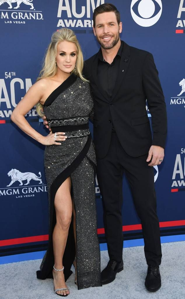 rs_634x1024-190407161400-634-carrie-underwood-mike-fisher-acm-awards-2019.jpg