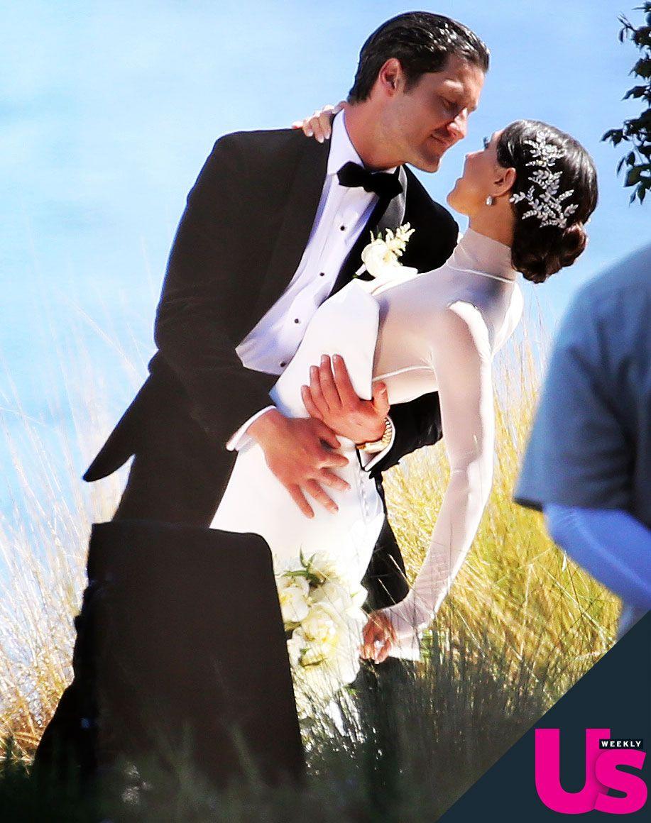 Valentin-Chmerkovskiy-Jenna-Johnson-Wedding-01.jpg