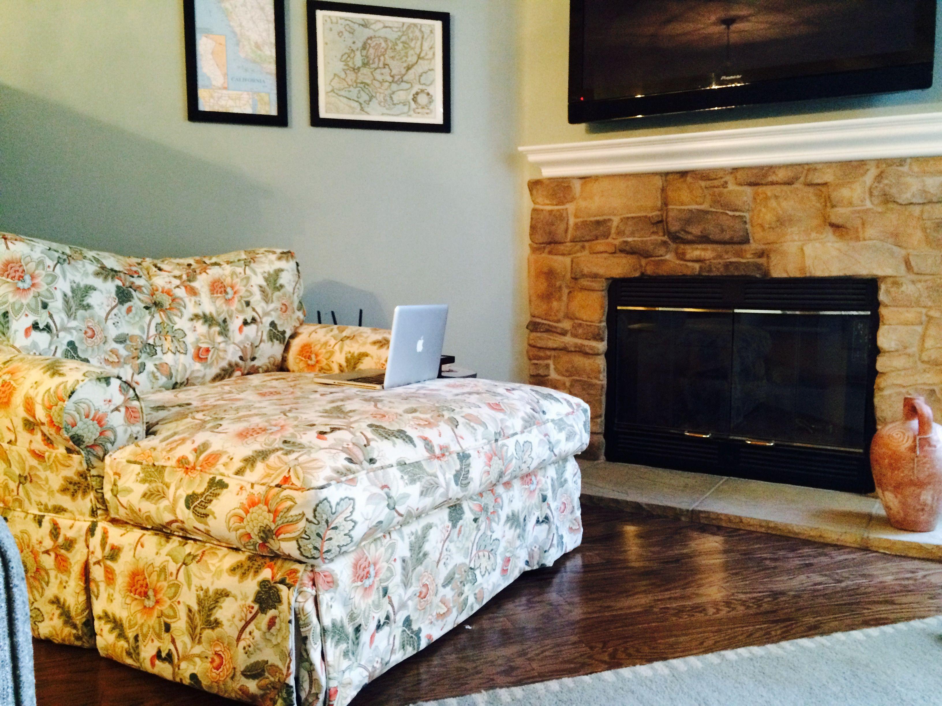 big livingroom chair.jpg