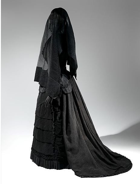 classic-mourning-ensemble.jpg