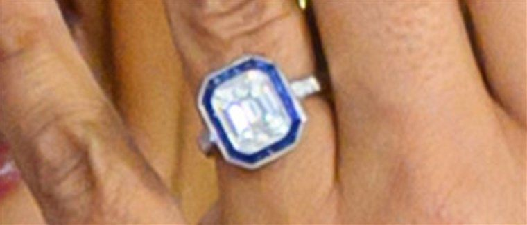hoda-engagement-ring-today-inlinev2-191126_7042c7510d46e689ba9304d3f28bdad8.fit-760w.jpg