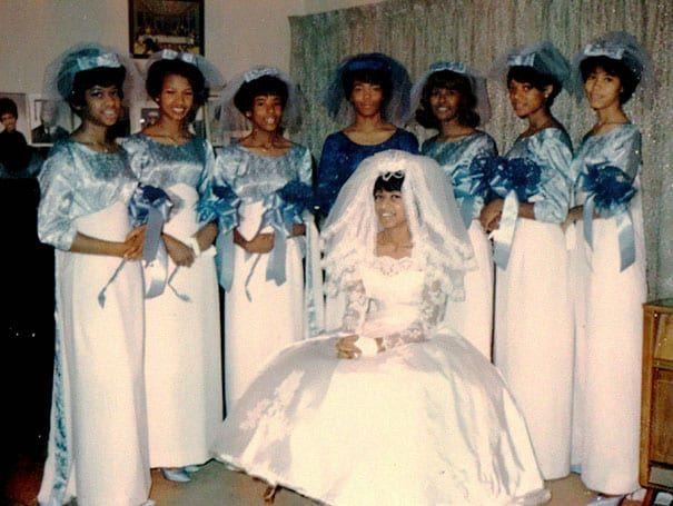 old-fashioned-funny-bridesmaids-dresses-42-5ae328937fa67__605.jpg