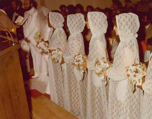 old-fashioned-funny-bridesmaids-dresses-43-5ae3297f56fb6__605.jpg
