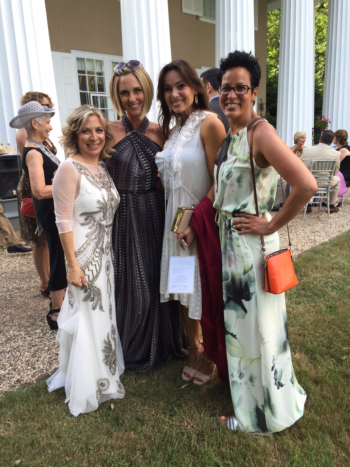 Lisa robertson in wedding dress -  To Spend The Evening Laughing With Shawn Killinger And Her Husband Joe As Well As Jane Tracey Mary Beth Roe And Jill Bauer It Wasn T A Huge Wedding