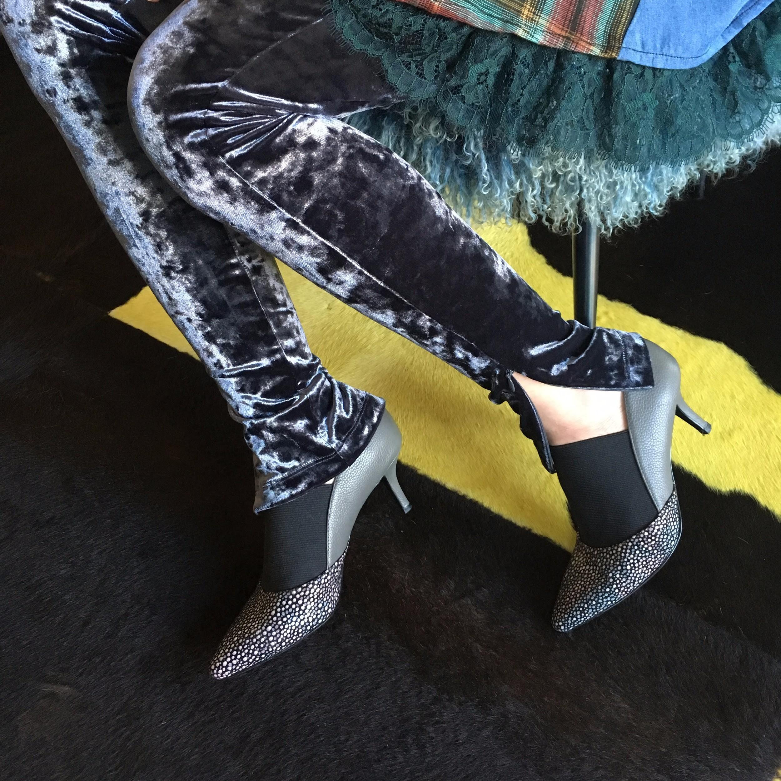 LOGO Leggings.jpg