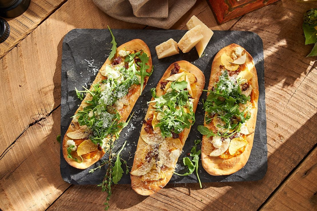 06_Roasted Vegetable Flatbread Pizza_30342.jpg