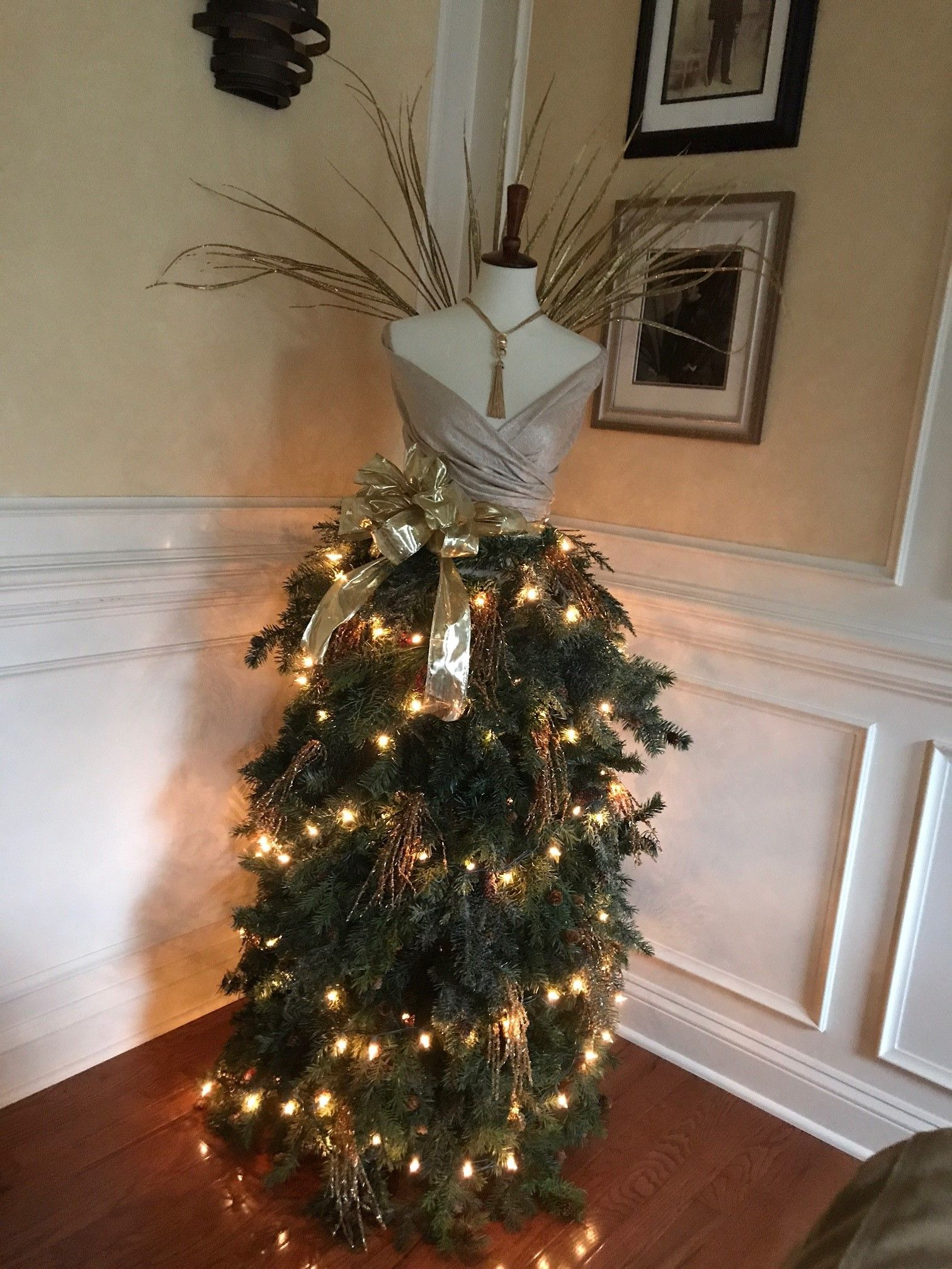 so a few weeks ago i went into a big box discount store and saw a beautiful christmas tree mannequin it was crazy expensive - My Christmas Tree