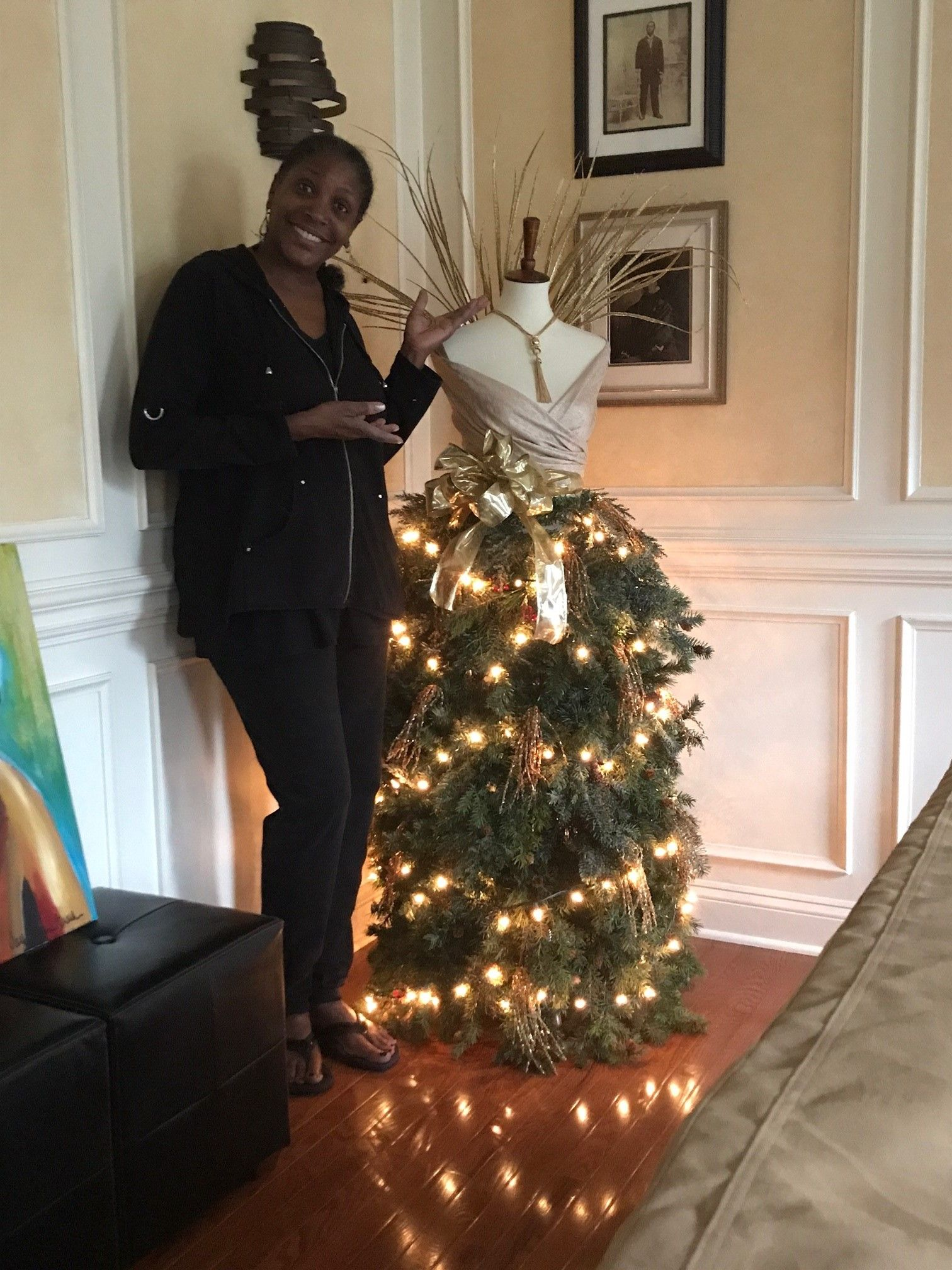 Santa S Best Christmas Tree: My Christmas Tree Mannequin